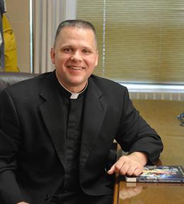 Director de la  Asociación de Auxiliares Marianos